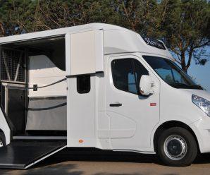 Requiera los servicios de Carrosserie Ameline para su furgoneta transporte caballos