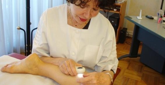 Le dermatologue est un spécialiste de la peau, des muqueuses, des ongles et des cheveux