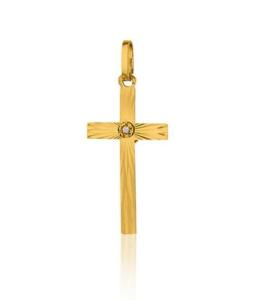 la croix facettée en zirconium